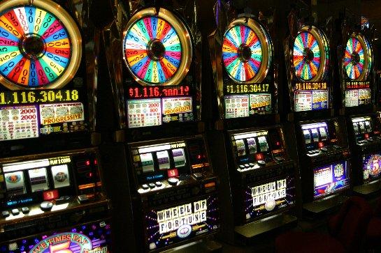 Играть в лучшие игровые автоматы в онлайн в клубе Азино 777 — одно удовольствие